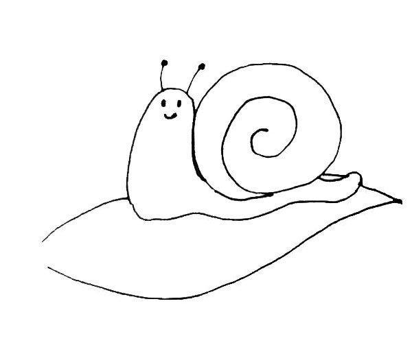 第五步:蜗牛画好后,在蜗牛的身下画出一片叶子。