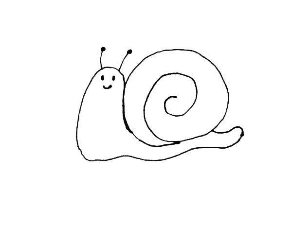 第四步:再给蜗牛画上两个触角,还有小眼睛和嘴巴。